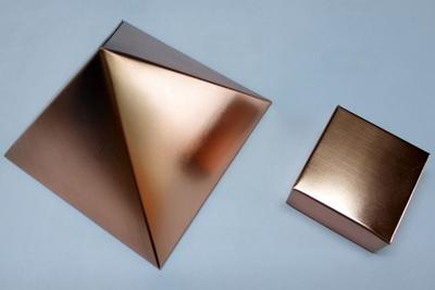 銅製 ピラミッド